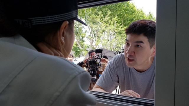 """단편영화 '북성로 히어로' 촬영 모습. 이ë"""" 홀ë""""©ìŠ¤ ì œê³µ"""