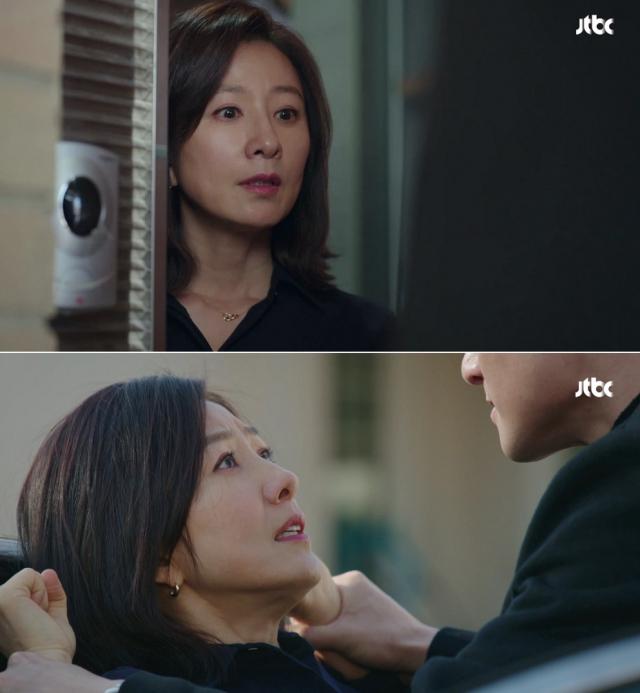 [드라마 속 잇템] '부부의세계' 김희애 패션…완판 행진 이어가