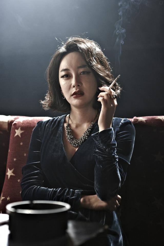 배우 김혜은의 영화 '범죄와의 전쟁: 나쁜놈들 전성시대' 출연 장면. 배급사 제공