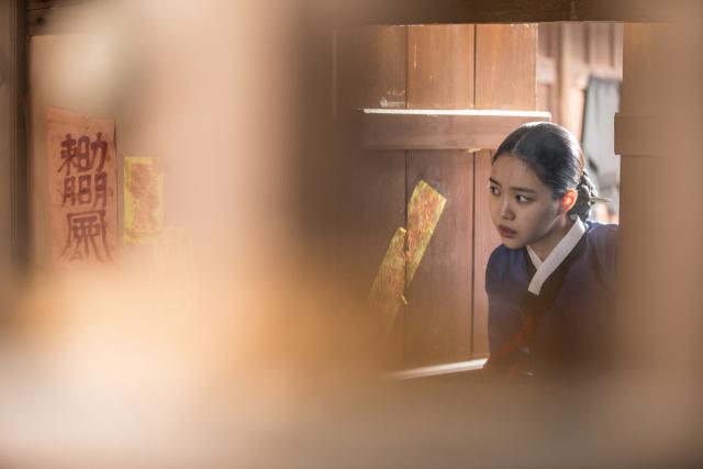 손나은(옥분), 영화 '여곡성' 등장 장면. 배급사 제공