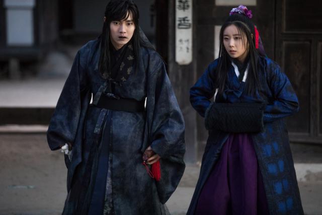 영화 '여곡성'의 이태리(해천비 역) 등장 장면. 배급사 제공