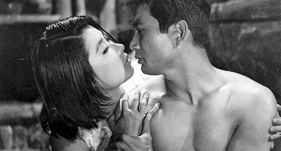 신성일과 엄앵란의 '배신'(1964). 네이버 영화