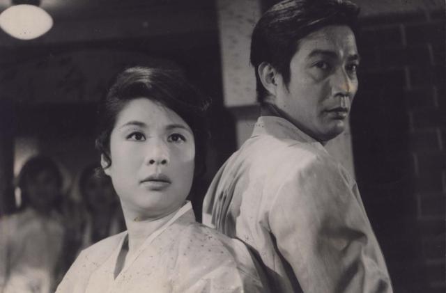 신성일과 엄앵란의 '천하일색 말괄량이'(1970). 네이버 영화