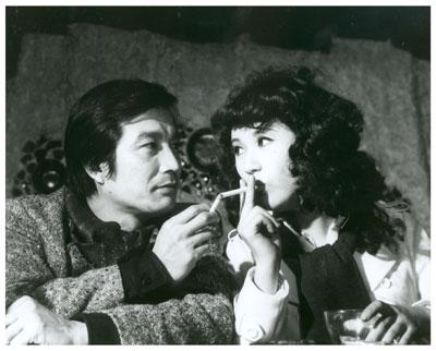 신성일, 이장호, 최인호, OST 이장희 '나 그대에게 모두 드리리' 등으로 수식할 수 있는 영화 '별들의 고향'(1974). 네이버 영화
