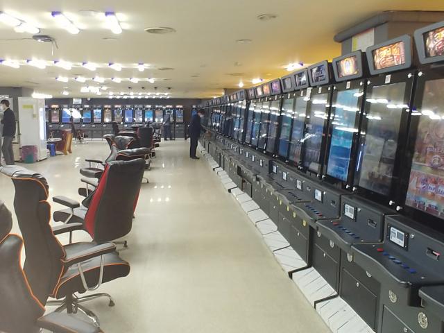 불법 게임기를 운영해오다 경찰에 적발된 게임장의 내부 모습. 영주경찰서 제공