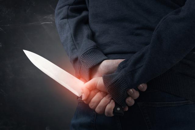 모르는 20대 여성 집까지 따라와 흉기로 위협…도둑질 시도 40대 男 체포