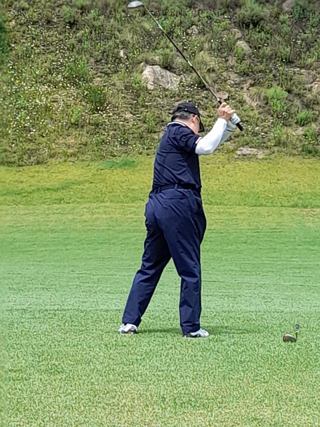 정확한 골프 회전은 정상적인 백스윙과 임팩트, 그리고 우화한 피니시를 만드는 동력이다.