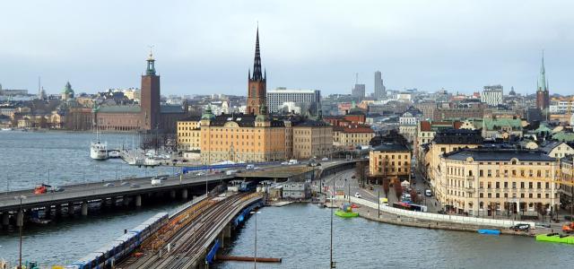 스웨덴의 수도 스톡홀름은 북유럽을 대표하는 도시로 물과 숲이 어우러져 '북유럽의 베네치아'로 불린다.