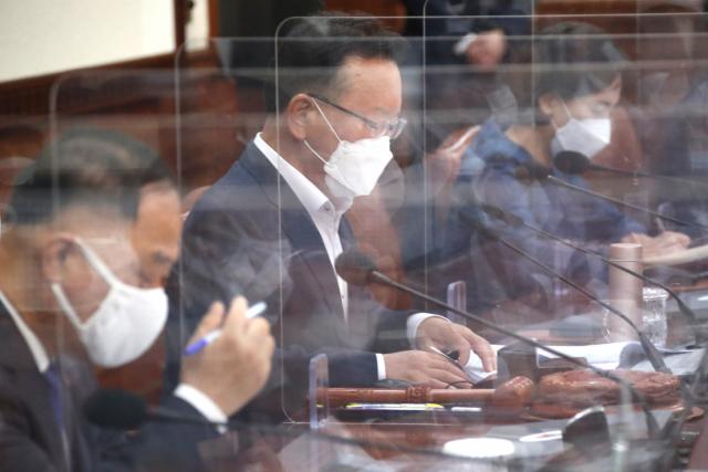 김부겸 국무총리가 13일 정부서울청사에서 열린 국무회의를 주재하고 있다. 연합뉴스