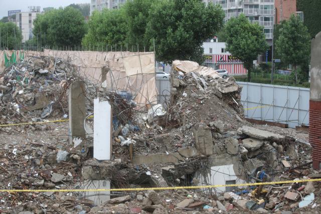 지난 6월 17명의 사상자를 낸 광주 학동4구역 재개발 철거 건물 붕괴 참사 현장. 연합뉴스