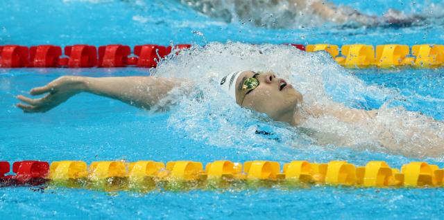 29일 오전 일본 도쿄 아쿠아틱스 센터에서 열린 수영 남자 배영 200m 준결승전. 대한민국 이주호가 역영하고 있다. 연합뉴스