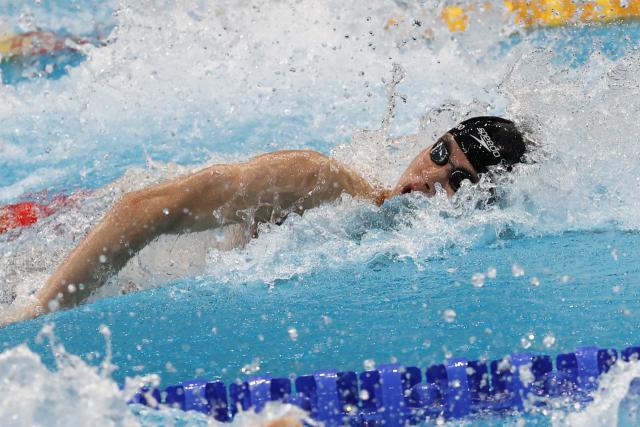 29일 오전 일본 도쿄 아쿠아틱스 센터에서 열린 수영 남자 100m 자유형 결승전. 대한민국 황선우가 역영하고 있다. 연합뉴스