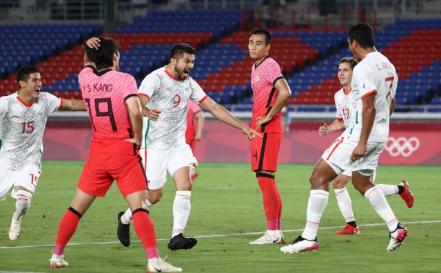 31일 요코하마 국제경기장에서 열린 도쿄올림픽 남자축구 8강전 대한민국과 멕시코의 경기. 한국이 선제골을 허용하고 있다. 연합뉴스