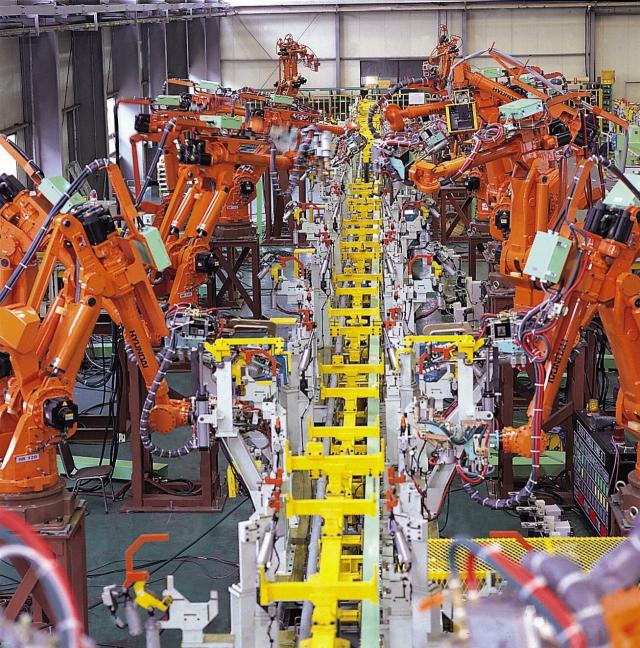 대구에 본사를 둔 현대로보틱스는 지역을 대표하는 로봇기업이다. 산업용로봇 생산 현장. 현대중공업 제공