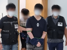 '친조모 살해' 10대 형제 첫 재판서 혐의 모두 인정
