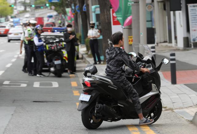 [르포] 오토바이 교통법규 위반 암행순찰 동행취재 해보니