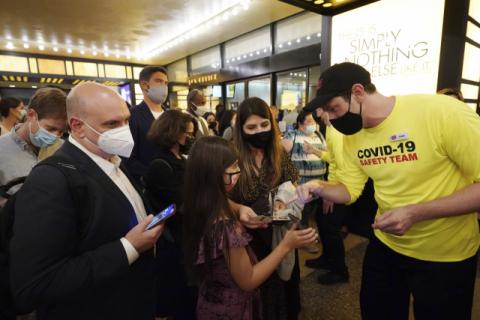 美, 중국서 건너온 '가짜 백신 접종 증명서'로 골머리