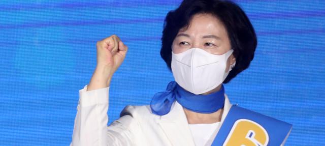 추미애, 경쟁자 이재명 옹호하고 윤석열엔