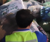 무게 초과 봉투에 골병 드는 청소노동자…75ℓ 봉투 도입