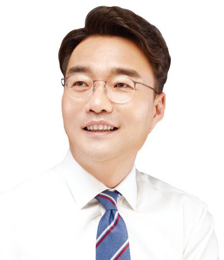 대구 동구청장 윤석준 18.6·배기철 15.5%…문경시장 신현국 38.6·서원 21%