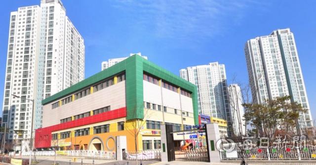 경산 중산1지구 내 성암초등학교는 2019년 성암산 아래에서 이 곳으로 이전 개교한 이후 학생수가 늘어 올해 42학급 완성학급에 도달했다. 매일신문DB.