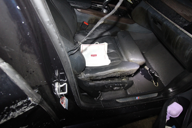 지난 13일 오후 6시 40분쯤 대구 달서구 월성동 한 공터에서 bmw 차량에서 화재가 발생했다. 대구 달서소방서 제공
