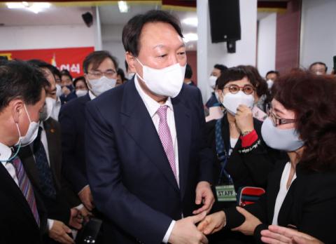 尹 '전두환 옹호' 발언에…민주당 대구시당