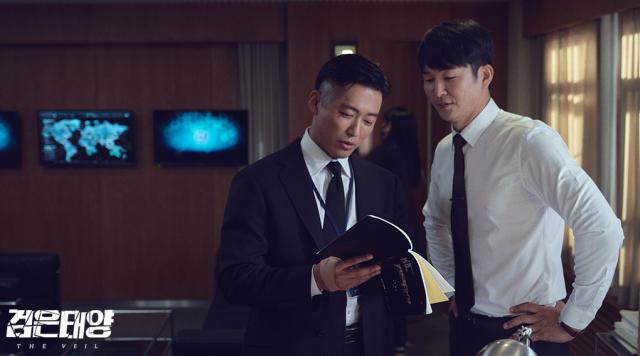[엔터인사이드] 한국형 첩보액션의 진화 '검은 태양'