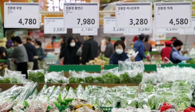 물류대란·기습 한파…수입 과일·육류 가격 상승세